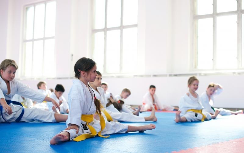 dojo-trenink-karate-brno-protahovani-deti
