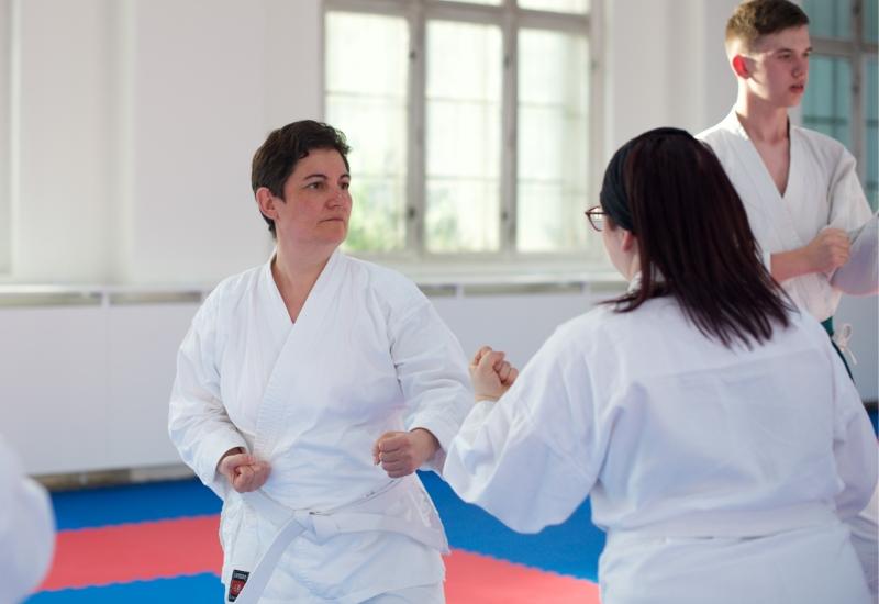 karate-brno-mladez-dospeli-dospeli1