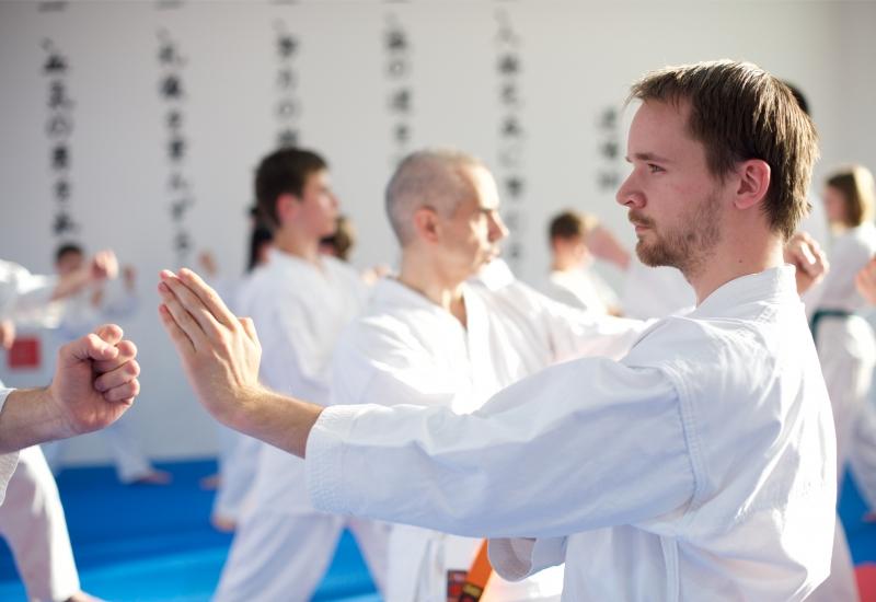 karate-brno-mladez-dospeli-dospeli2