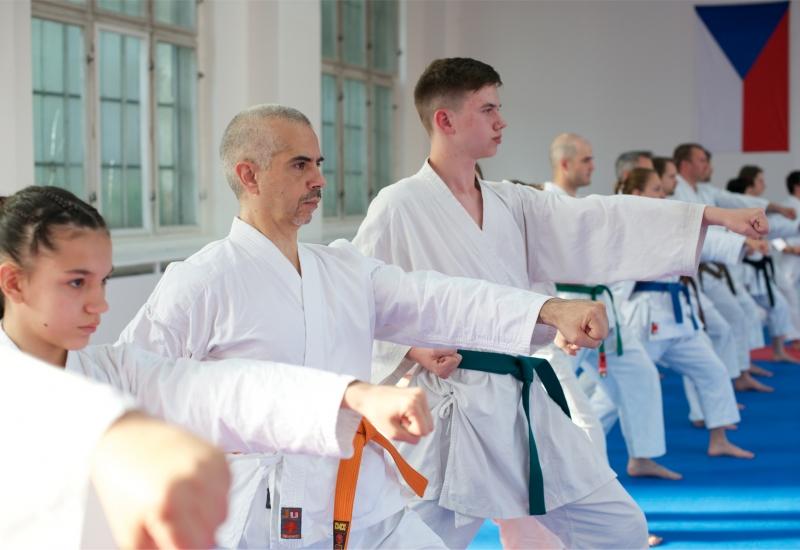 karate-brno-mladez-dospeli-oicuki